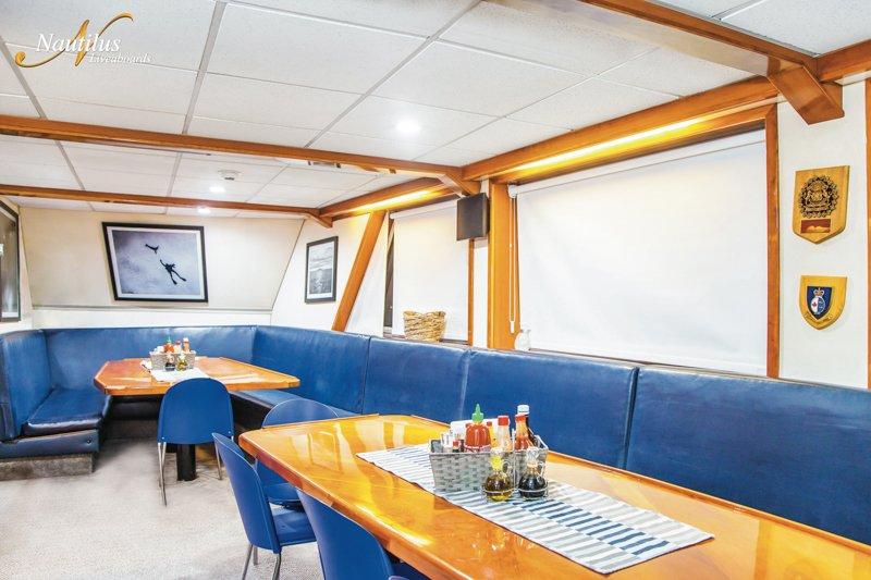 Explorer-dining-room-001