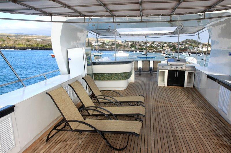 Sundeck-loungers-Humboldt-Explorer-Galapagos-Explorer-Ventures-Liveaboard-Diving