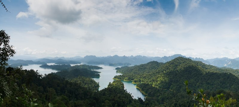 Cheow Larn Lake in Khao Sok National Park Thailand, picture by Elephant Hills Rainforest Camp Thailand 4