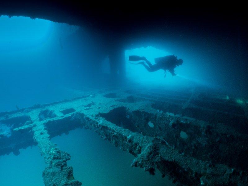 Sangat Island Resort - wreck diving-3