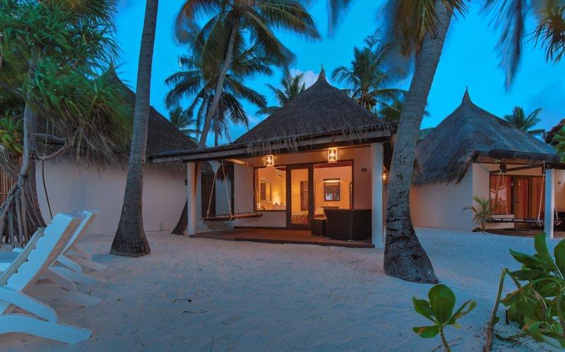 Angaga Island Resort _ Beach Bungalow3