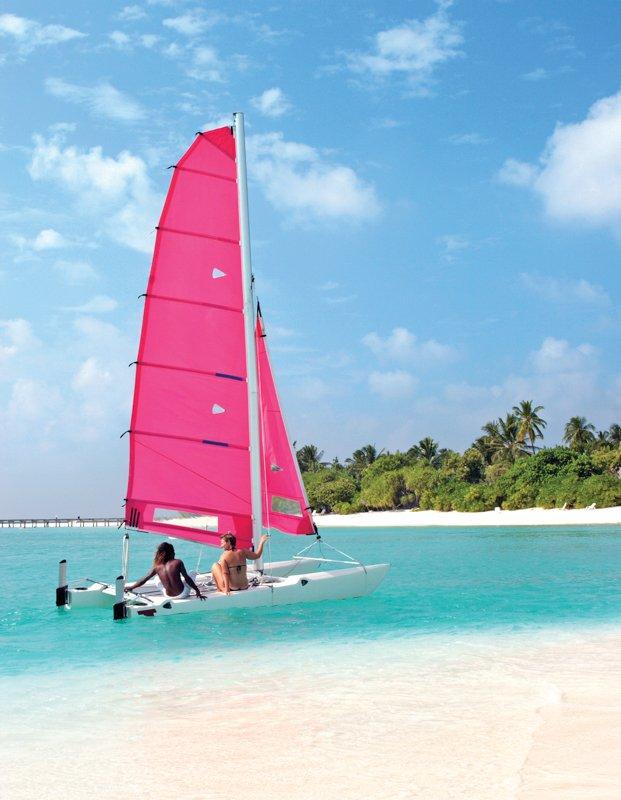 Angaga Island Resort _ Catamaran_sailing