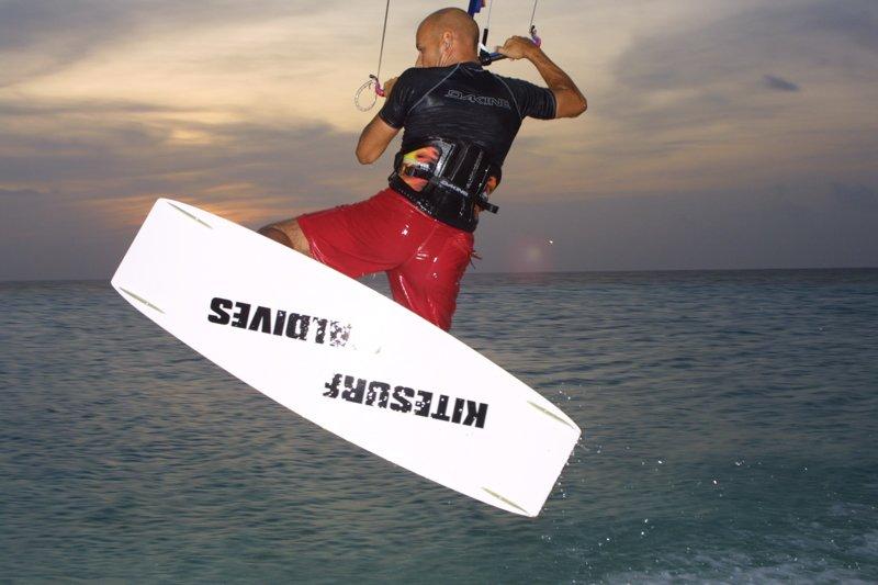 Angaga Island Resort _ Kite_surfing