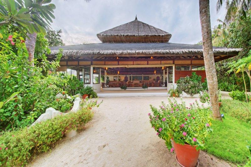 Angaga Island Resort _ Reception