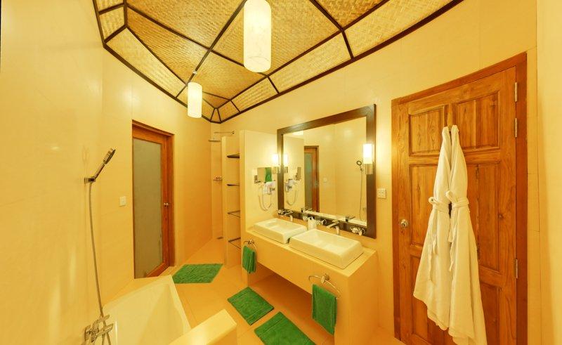 Angaga Island Resort _ Superior Water Bungalow bathroom