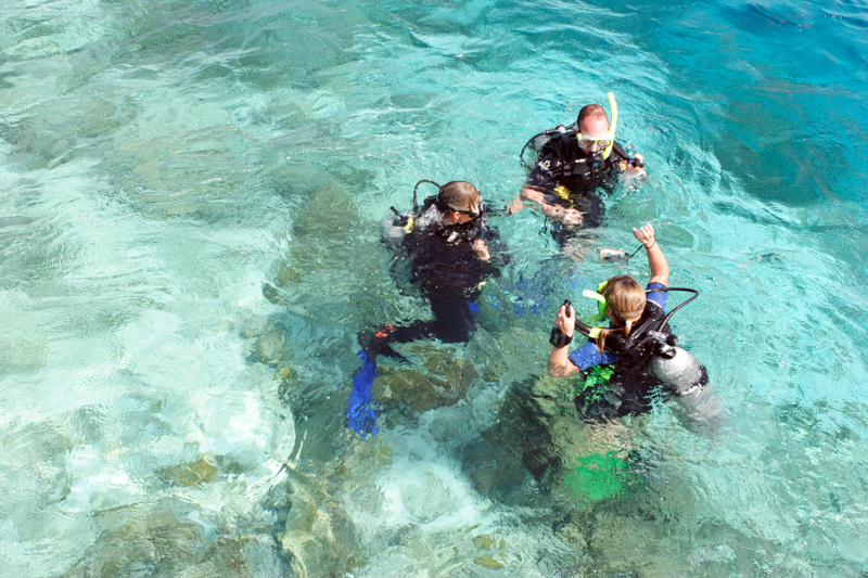Angaga Island Resort _ diving01