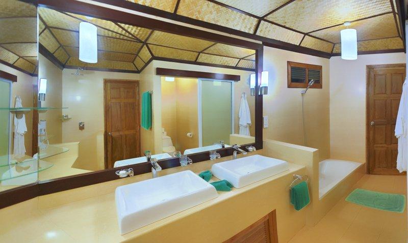 Angaga Island Resort _Beach Bungalow 4