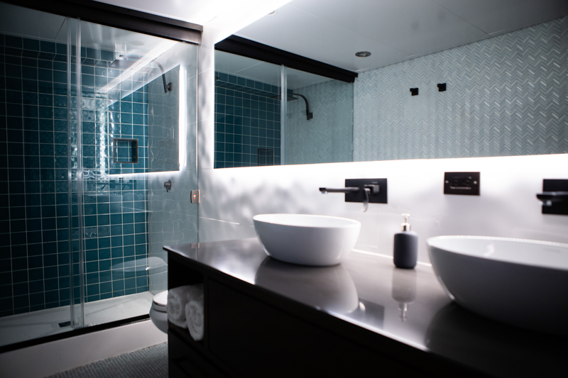 Bathroom Master Suite (Roca)