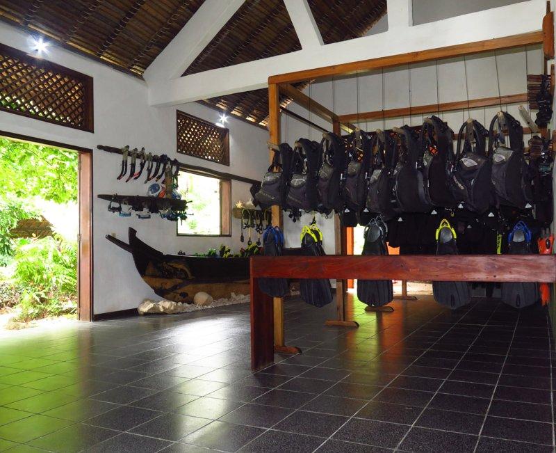 Dive Center Inside (1)