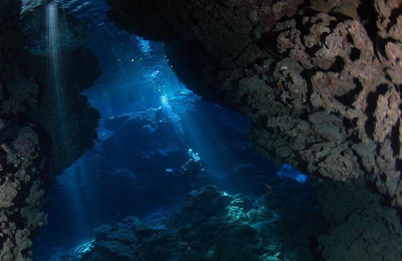 solomon_islnads_caves_and_caverns_2_lr